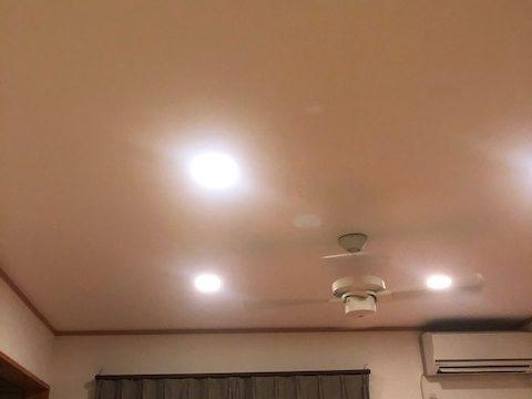 電球色の照明をお勧めする理由